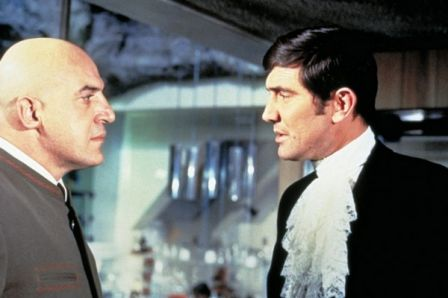 Telly Savalas et George Lazenby